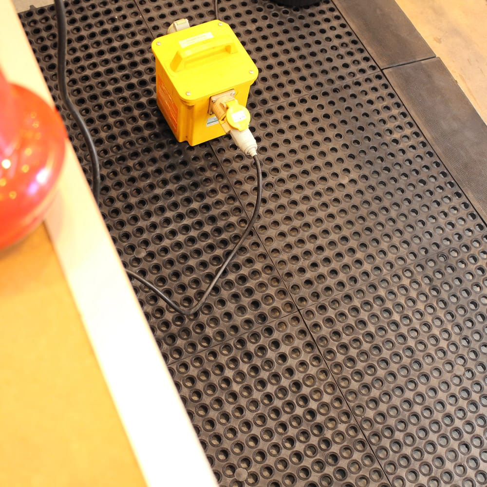 100% Rubber and Plastic Drainage Interlocking Mats